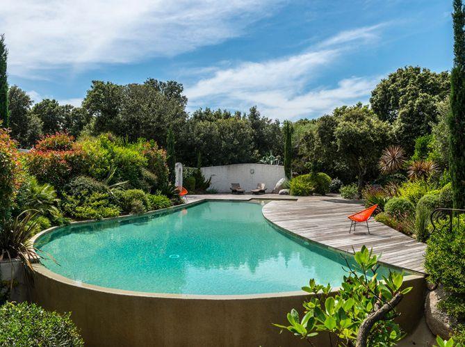 Les plus belles piscines de france elle d coration for Piscine plus le cres
