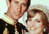 Avez-vous remarqué le complexe de taille du prince Charles envers Lady Di ?