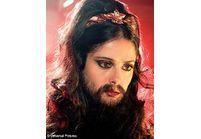 Et si Salma Hayek était une femme à barbe ?