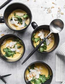 Soupe de lentilles corail et courge butternut
