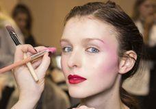 Les 5 erreurs qu'on a toutes faites avec du blush