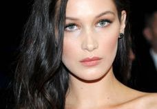 Bella Hadid, nouvelle ambassadrice make-up de Dior