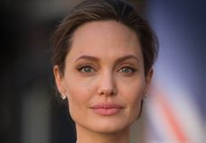 Angelina Jolie révèle souffrir d'une paralysie du visage