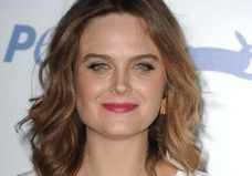 Emily Deschanel : la star de « Bones » énervée contre Donald Trump