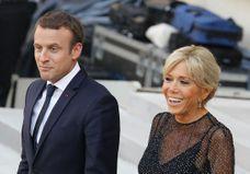 Ils envoient des sous-vêtements au président : que leur répond Brigitte Macron ?
