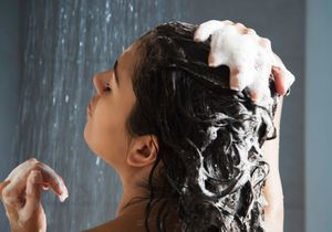 Comment faire un bon shampoing en 4 étapes