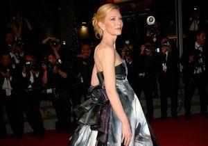 Cannes 2015 : Cate Blanchett sublime pour la montée des marches de « Carol »