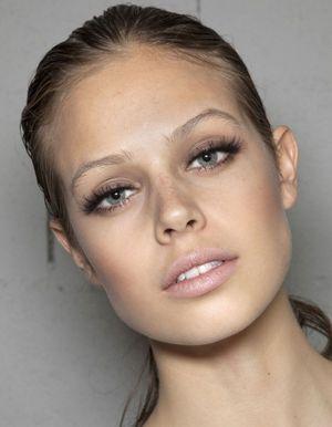 Maquillage des yeux les conseils et astuces avec le - Comment faire le maquillage de kim kardashian ...
