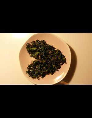 Chips de kale au micro-ondes