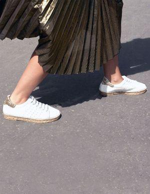 Il ne reste que 10 paires de ces chaussures que les parisiennes s'arrachent