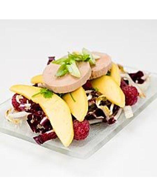 salade de foie gras au torchon mangue et framboises pour. Black Bedroom Furniture Sets. Home Design Ideas
