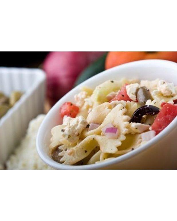 salade de p 226 tes 224 la feta et aux poivrons recettes 224 table