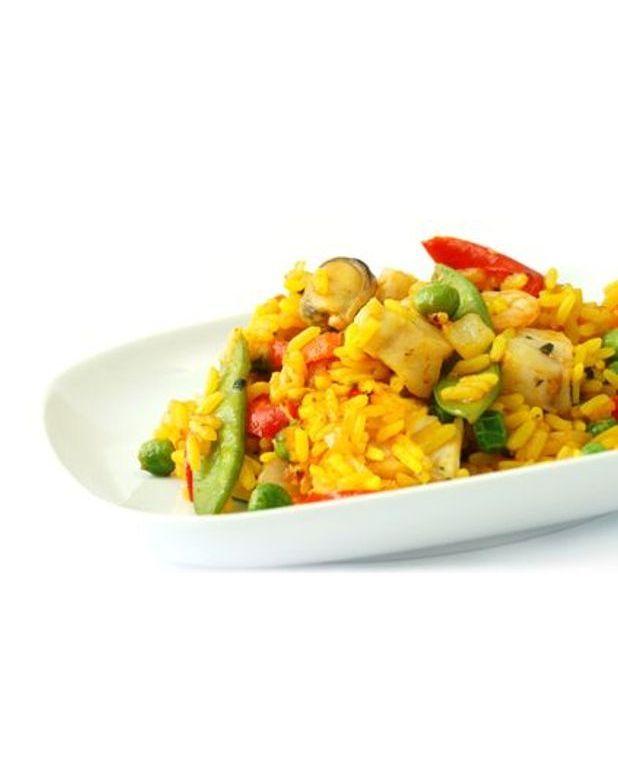 salade de riz la valenciennoise pour 4 personnes recettes elle table. Black Bedroom Furniture Sets. Home Design Ideas
