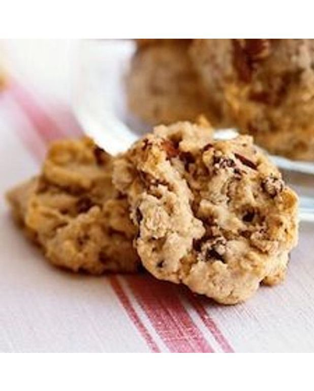 biscuits aux flocons d 39 avoine et morceaux de chocolat pour 6 personnes recettes elle table. Black Bedroom Furniture Sets. Home Design Ideas
