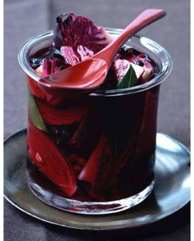 chou rouge marin au vinaigre et aux pices pour 4 personnes recettes elle table. Black Bedroom Furniture Sets. Home Design Ideas
