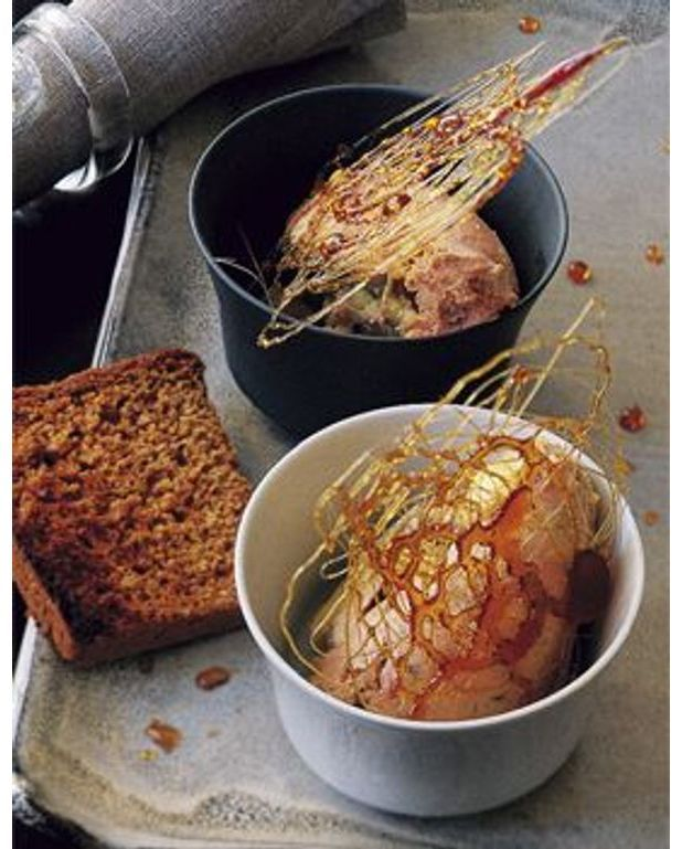 foie gras au caramel poivr pour 4 personnes recettes. Black Bedroom Furniture Sets. Home Design Ideas