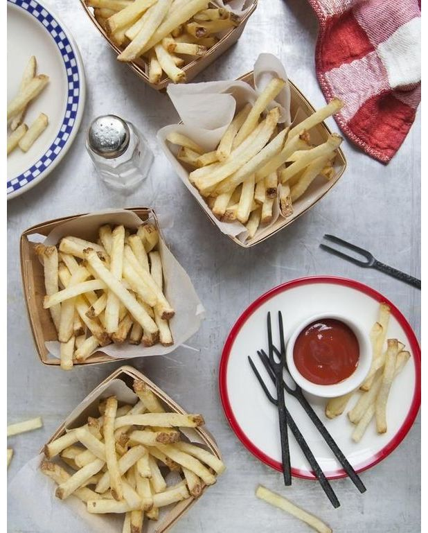 frites de pommes de terre spicy ketchup pour 4 personnes recettes elle table. Black Bedroom Furniture Sets. Home Design Ideas