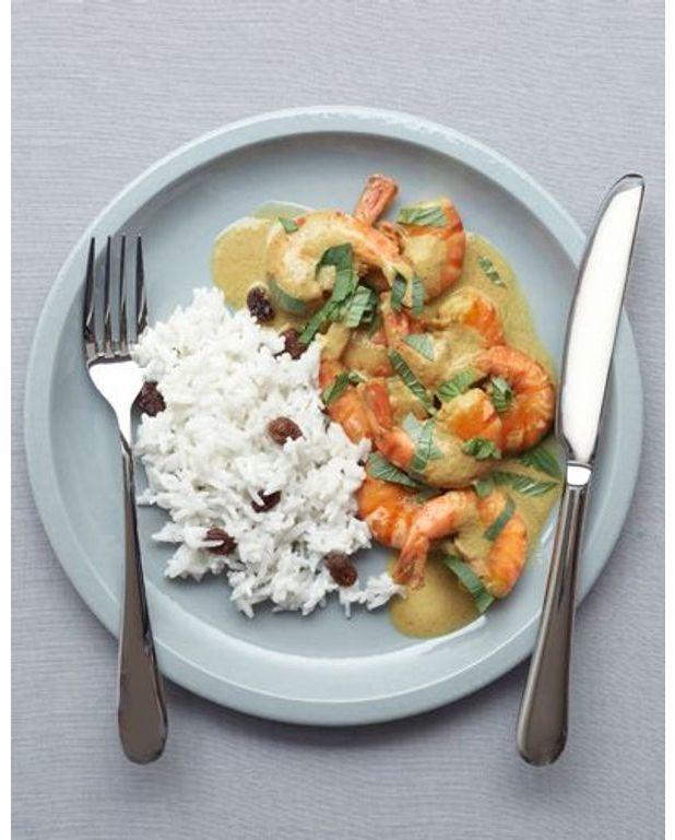 gambas curry et riz coco pour 4 personnes recettes elle table. Black Bedroom Furniture Sets. Home Design Ideas
