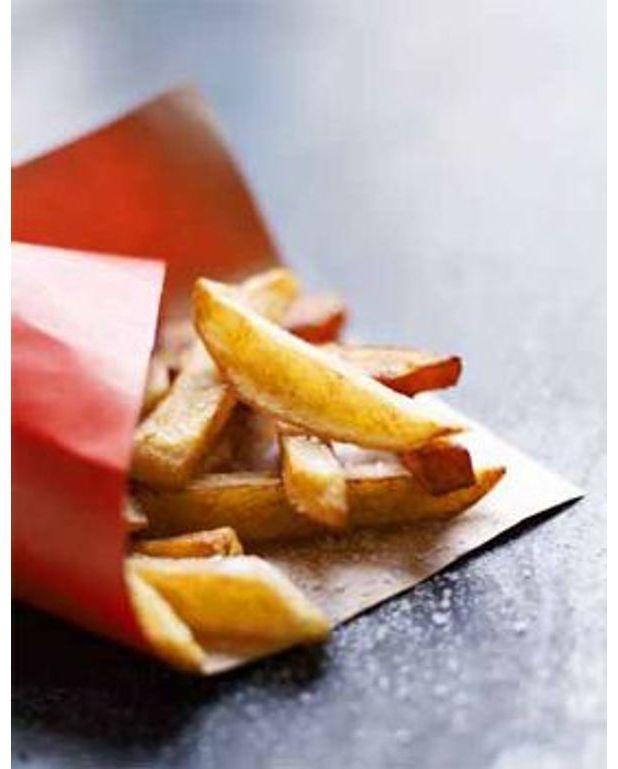 grosses frites de pomme de terre et patate douce pour 4. Black Bedroom Furniture Sets. Home Design Ideas