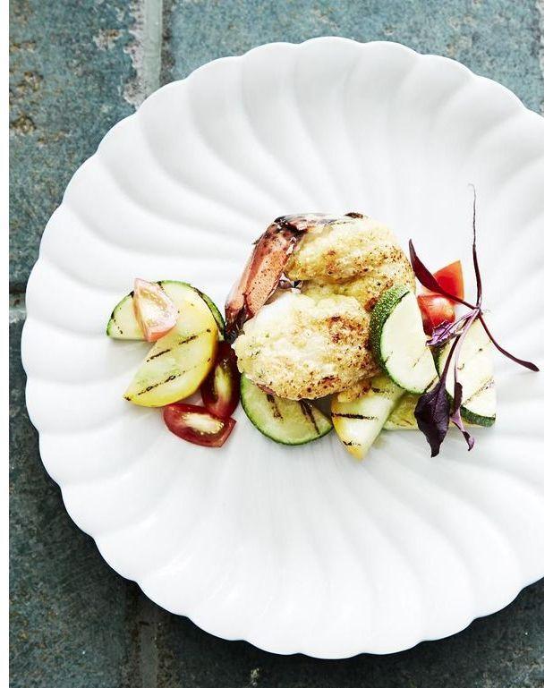 Homard gratin pour 2 personnes recettes elle table - Comment couper un homard cuit en deux ...