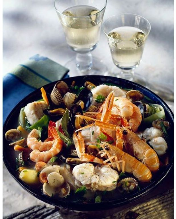 Soupe de coquillages au citron vert recettes elle table - C est au programme recettes de cuisine ...