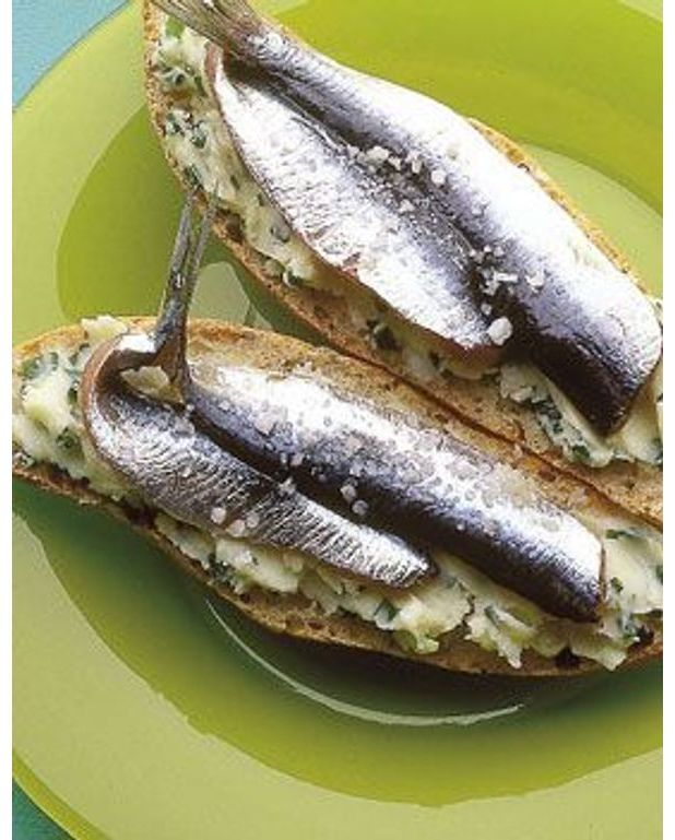 Tartines de sardines pour 4 personnes recettes elle table - Cuisiner des filets de sardines fraiches ...