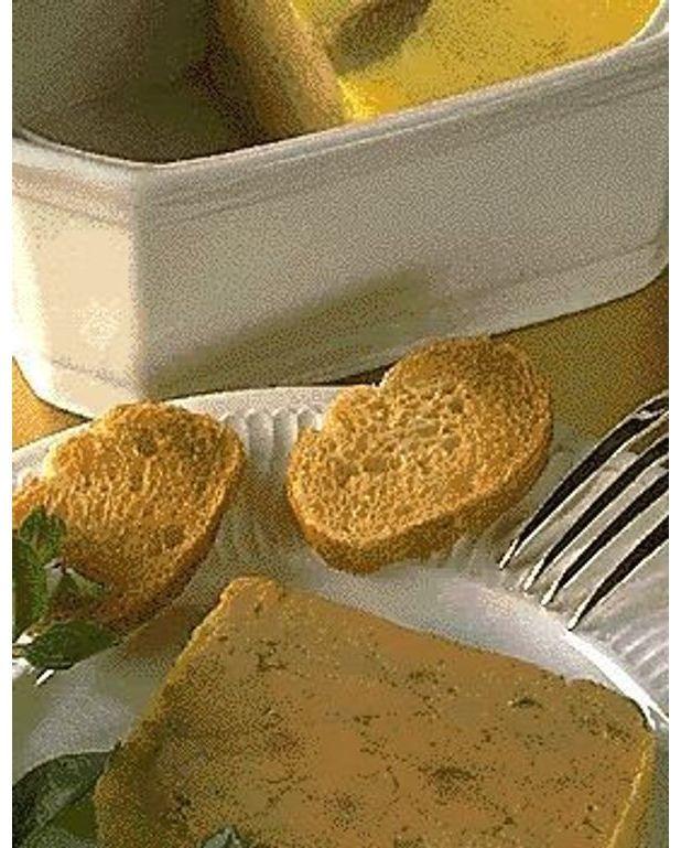 Terrine de foie gras 1 pour 4 personnes recettes elle - Recette foie gras en terrine ...