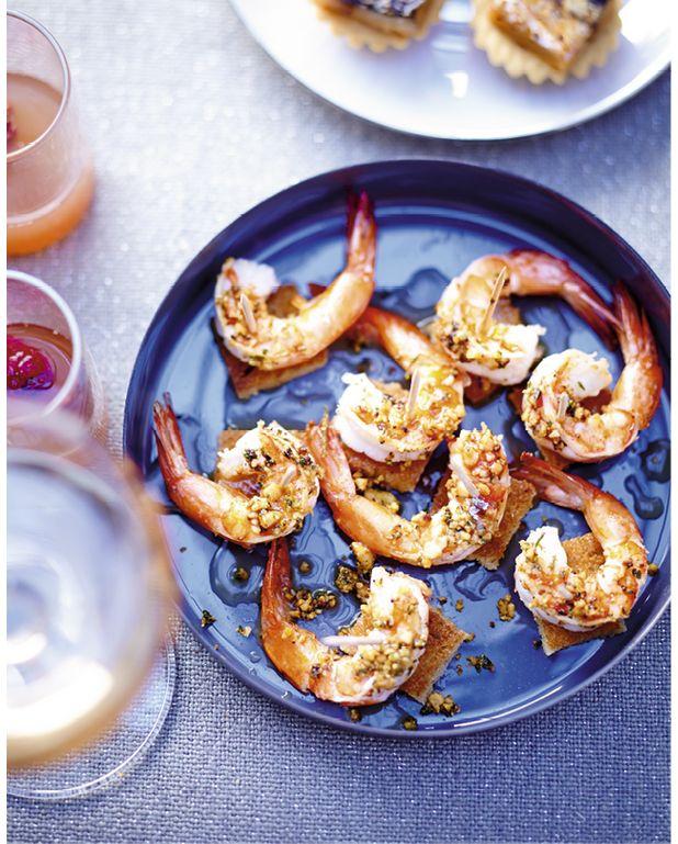 toasts de crevettes et cajous pour 6 personnes recettes elle. Black Bedroom Furniture Sets. Home Design Ideas