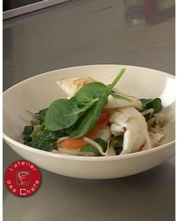 wok de calamars au soja et l 39 estragon pour 6 personnes recettes elle table. Black Bedroom Furniture Sets. Home Design Ideas