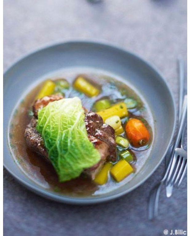 pot au feu et foie gras en feuille de chou pour 6 personnes recettes 224 table