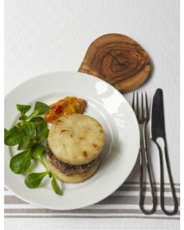 le hamburger de canard pour 4 personnes recettes elle table. Black Bedroom Furniture Sets. Home Design Ideas