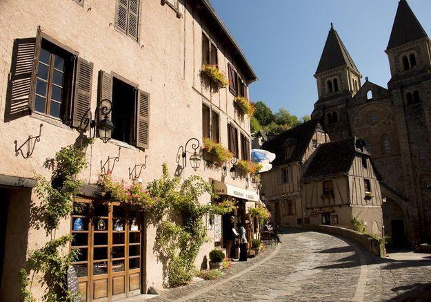 Découvrez le village français qui a inspiré celui de « La Belle et la Bête »