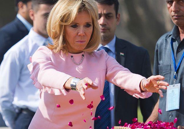 Brigitte Macron fait sensation avec ses looks en Inde