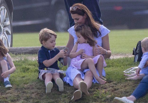 Ces photos de George et Charlotte qui jouent vont vous faire craquer !