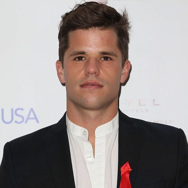 "Charlie Carver de ""Desperate Housewives"" fait son coming out"