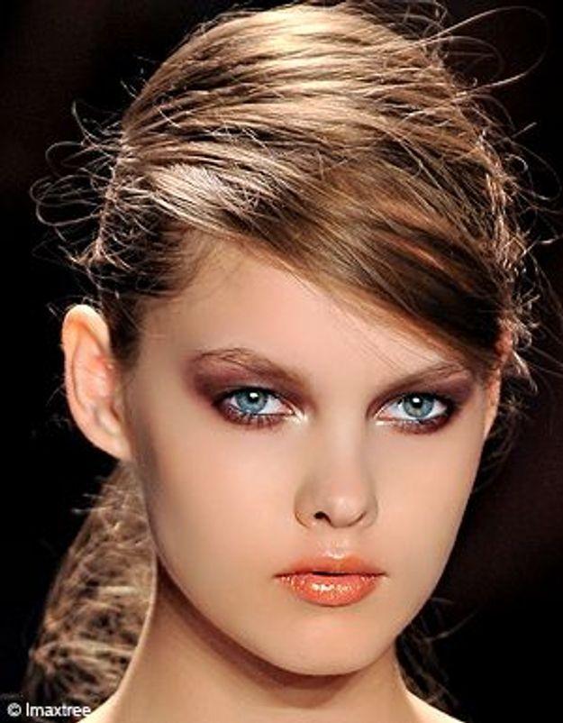Cheveux comment se faire une m che bandeau elle - Comment faire une tresse sur le cote ...