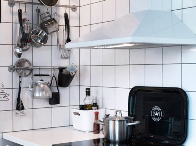 petite cuisine 5 astuces pour gagner de la place elle d coration. Black Bedroom Furniture Sets. Home Design Ideas