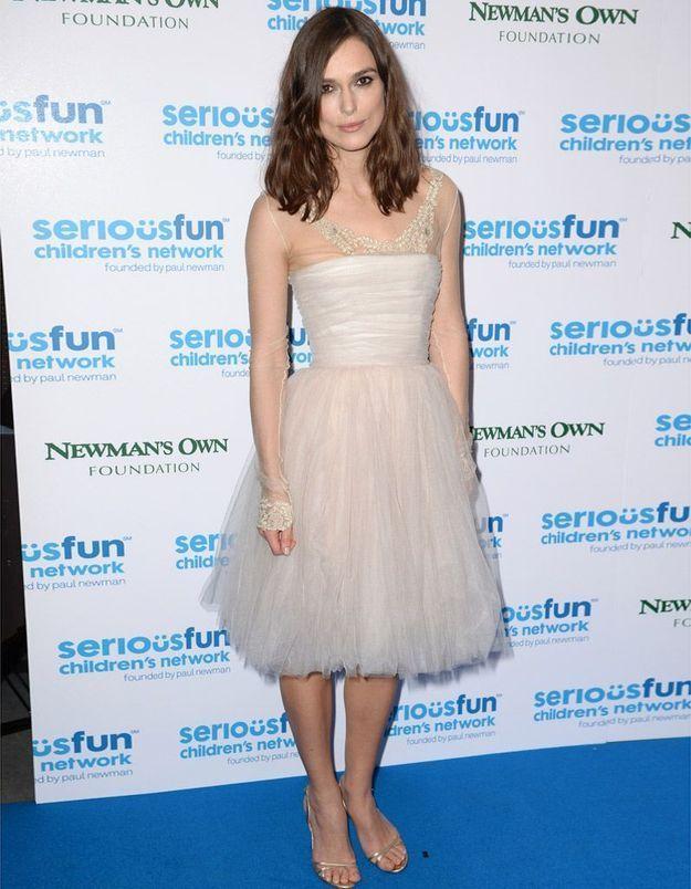 Keira Knightley porte une nouvelle fois sa robe de mariée - Elle
