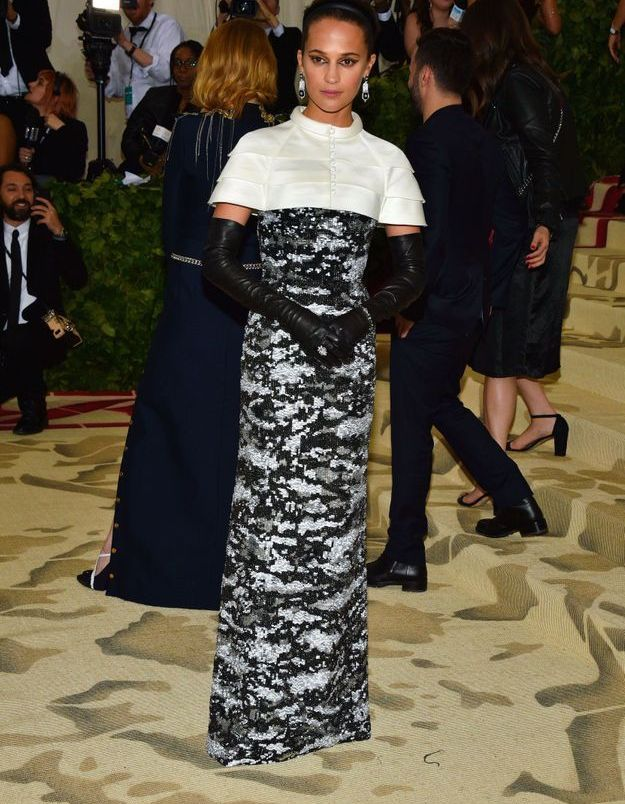 Alicia Vikander en Louis Vuitton
