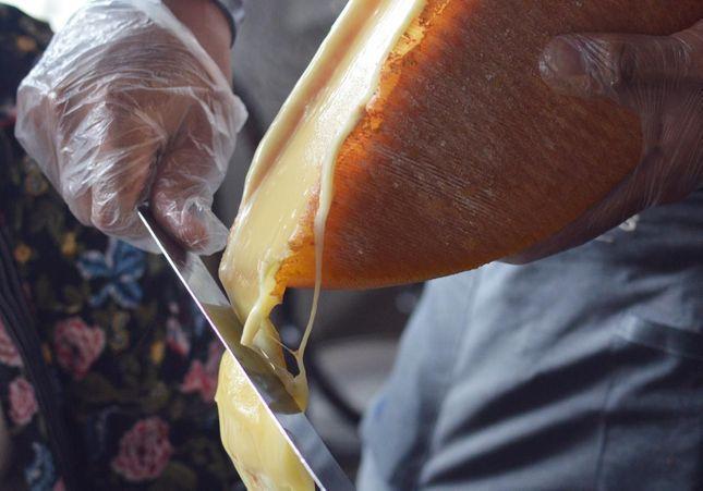 Raclette party en 9 chiffres insolites