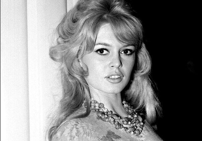 Brigitte Bardot en couple avec Johnny Hallyday : elle donne sa version !