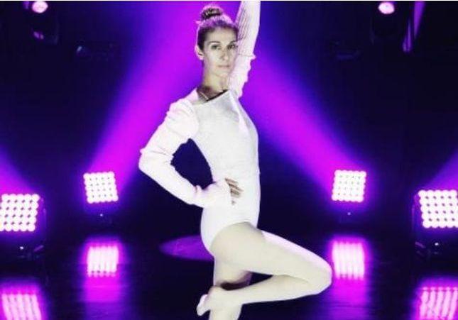 Pourquoi on aime voir Céline Dion imiter le flamant rose ?