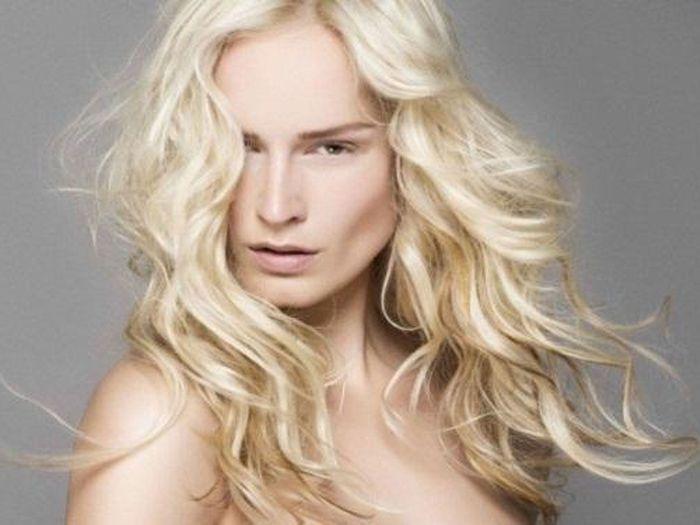 La coupe courte blond platine de franck provost - Blond platine femme ...