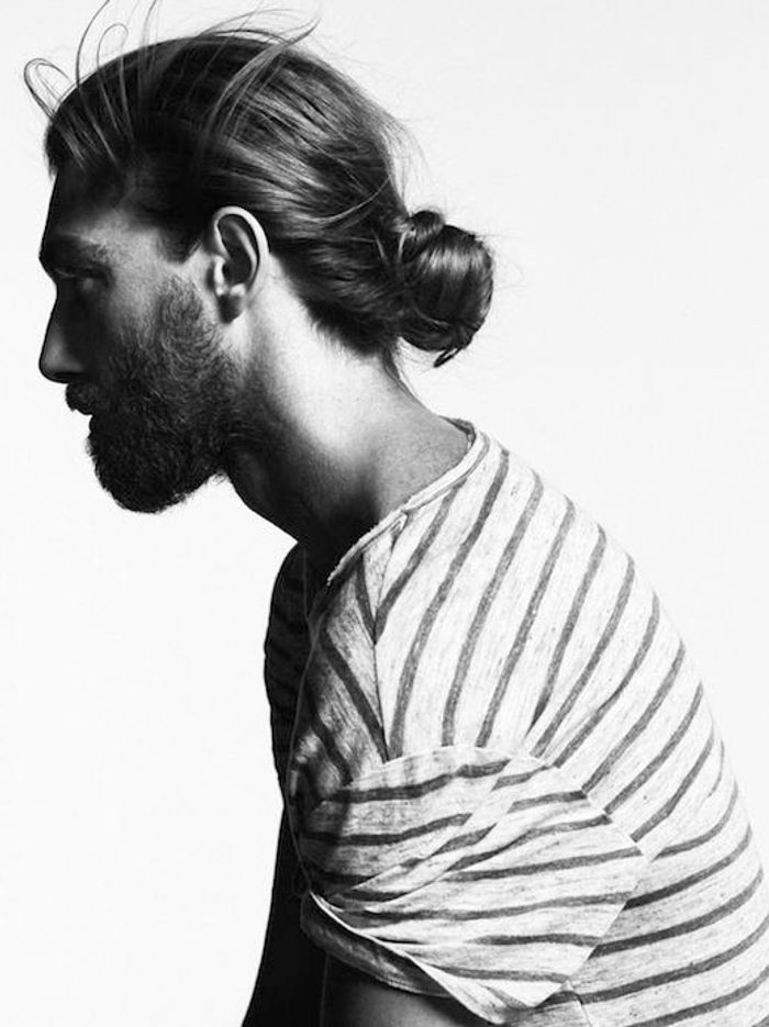 Chignon homme tendance - 30 beaux gosses à chignon repérés sur Pinterest - Elle