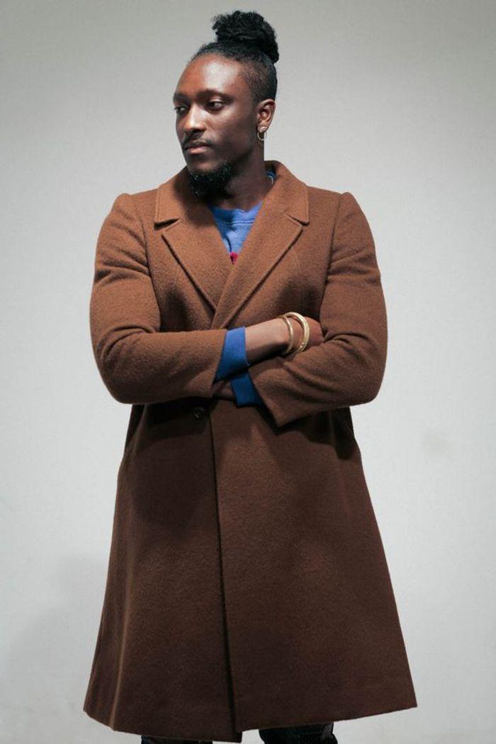 chignon cheveux court homme. Black Bedroom Furniture Sets. Home Design Ideas