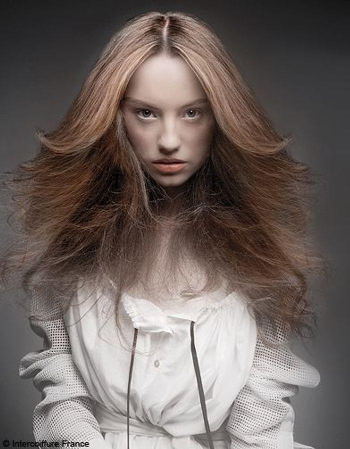 beaute tendance cheveux coiffure intercoiffure france 0184 100 coiffures automne hiver 2011. Black Bedroom Furniture Sets. Home Design Ideas