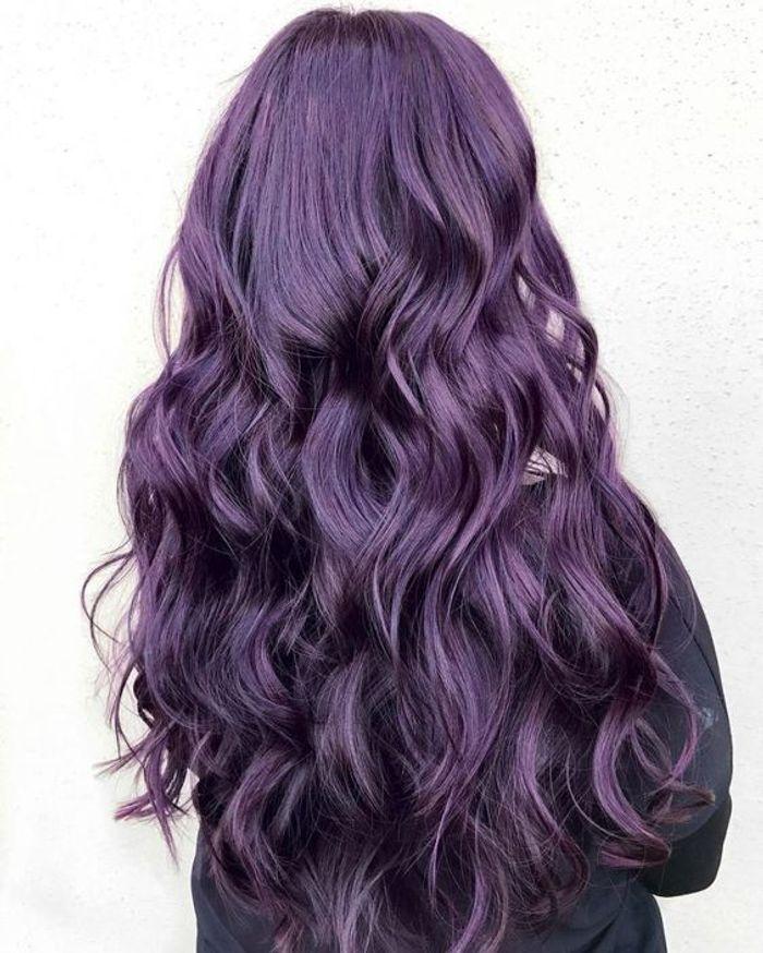 cheveux violets sur coupe longue cheveux violets allez vous craquer elle. Black Bedroom Furniture Sets. Home Design Ideas