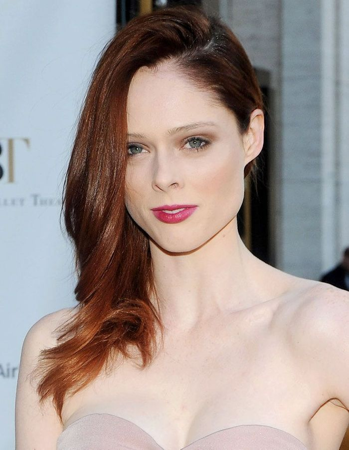 coco rocha les cheveux longs coiffures de stars les 20 transformations les plus r ussies elle. Black Bedroom Furniture Sets. Home Design Ideas