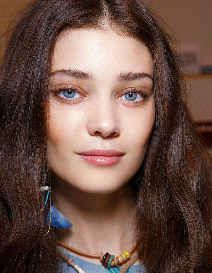 maquillage des yeux bleus original comment maquiller des yeux bleus elle. Black Bedroom Furniture Sets. Home Design Ideas