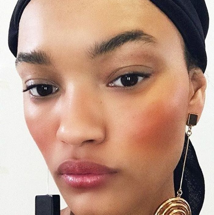 Le blush orange en backstage de Jacquemus PE18